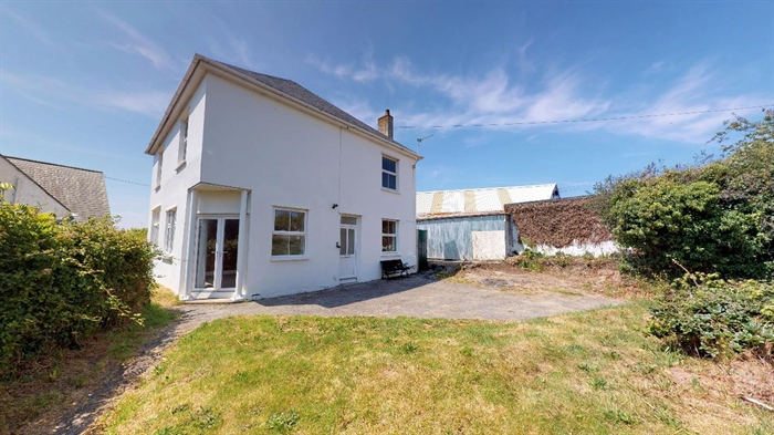 Detached House, 3 bedroom Property for sale in Crowlas, Cornwall for £375,000, view photo 1.