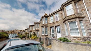 Terraced, House for sale in Penzance: Barwis Hill, Penzance, TR18 2AW, £220,000
