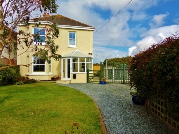 House sold in Penzance: Stanhill, Rosudgeon, Penzance, Cornwall, £320,000