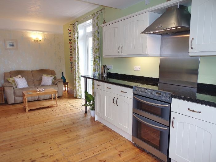 House, 4 bedroom Property for sale in Penzance, Cornwall for £320,000, view photo 3.