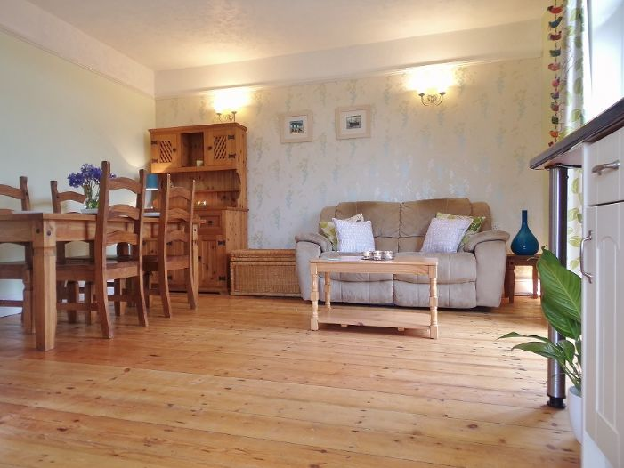 House, 4 bedroom Property for sale in Penzance, Cornwall for £320,000, view photo 5.