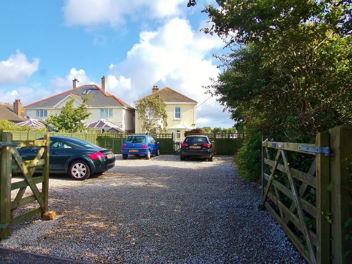 House, 4 bedroom Property for sale in Penzance, Cornwall for £320,000, view photo 16.