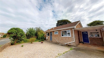 Detached Bungalow sold in Newlyn: Forbes Road, Newlyn, Penzance, TR18 5DQ, £230,000