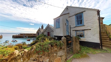 Semi Detached Bungalow for sale in Mousehole: Wesley Square, Mousehole, Penzance, TR19 6RU, £425,000