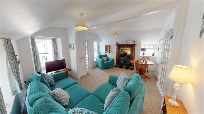 Semi Detached Bungalow, 2 bedroom Property for sale in Mousehole, Cornwall for £425,000, view photo 10.