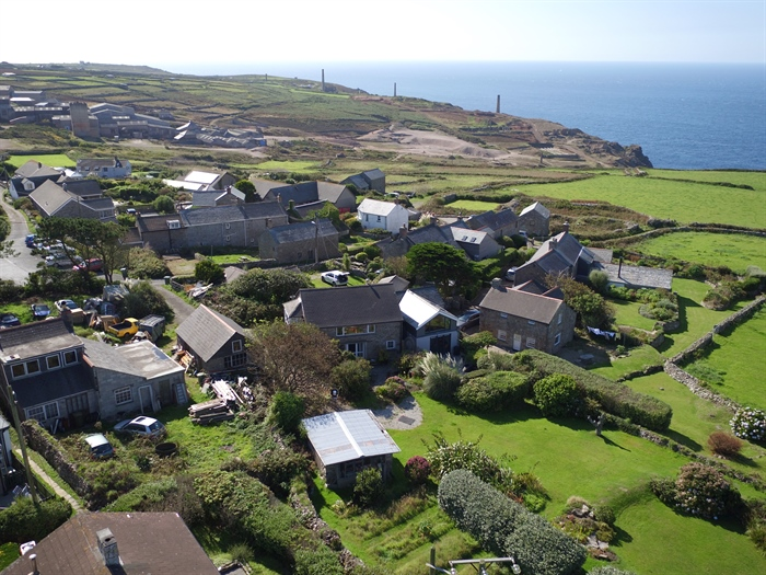 Detached House, 2 bedroom Property for sale in Pendeen, Cornwall for £350,000, view photo 25.