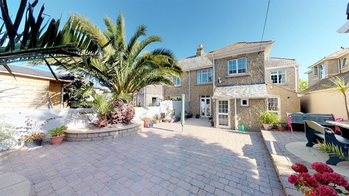 Semi Detached House, 4 bedroom Property for sale in Heamoor, Cornwall for £350,000, view photo 4.