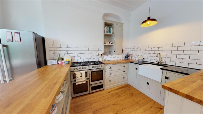 Apartment, 3 bedroom Property for sale in Penzance, Cornwall for £285,000, view photo 8.