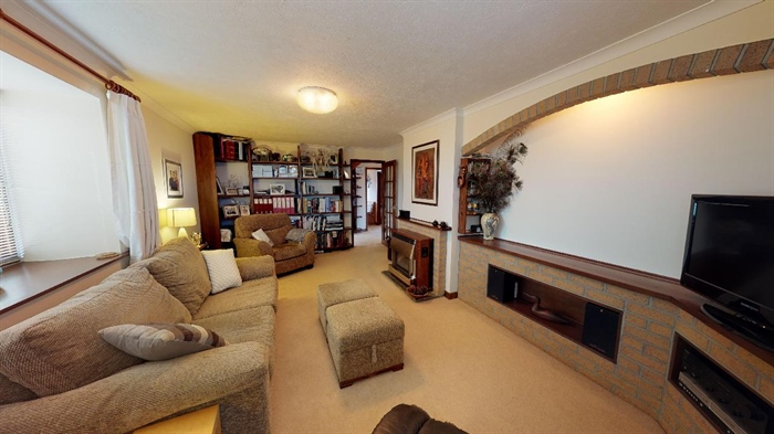 Detached Bungalow, 3 bedroom Property for sale in Lelant, Cornwall for £400,000, view photo 6.