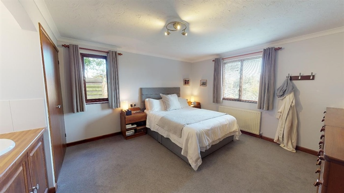 Detached Bungalow, 3 bedroom Property for sale in Lelant, Cornwall for £400,000, view photo 12.