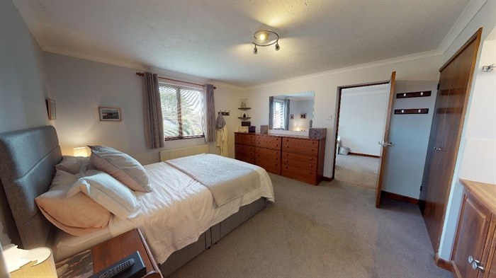 Detached Bungalow, 3 bedroom Property for sale in Lelant, Cornwall for £400,000, view photo 13.