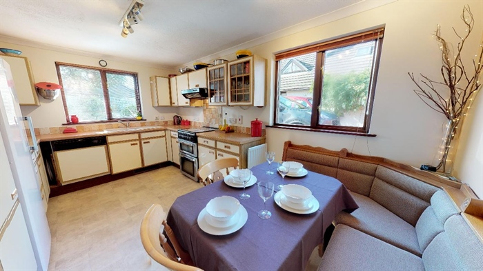 Detached Bungalow, 3 bedroom Property for sale in Lelant, Cornwall for £400,000, view photo 15.