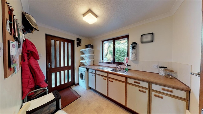Detached Bungalow, 3 bedroom Property for sale in Lelant, Cornwall for £400,000, view photo 18.