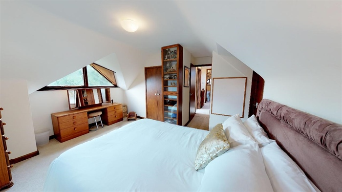 Detached Bungalow, 3 bedroom Property for sale in Lelant, Cornwall for £400,000, view photo 24.