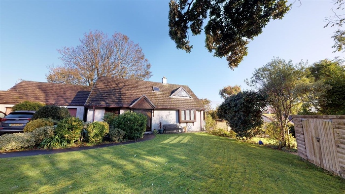 Detached Bungalow, 3 bedroom Property for sale in Lelant, Cornwall for £400,000, view photo 26.