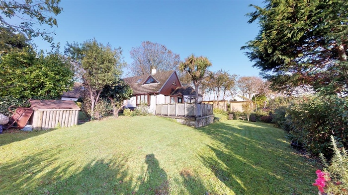 Detached Bungalow, 3 bedroom Property for sale in Lelant, Cornwall for £400,000, view photo 27.