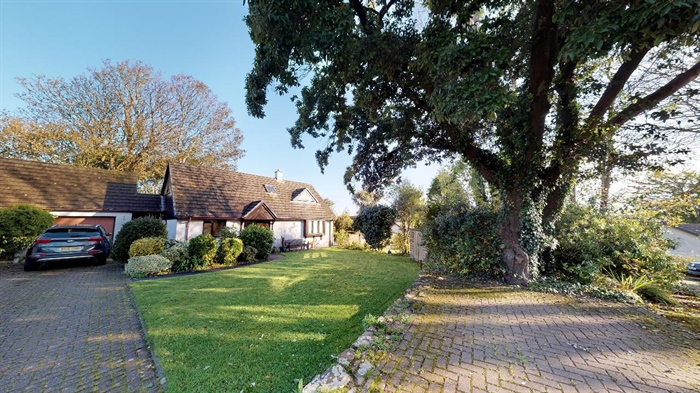Detached Bungalow, 3 bedroom Property for sale in Lelant, Cornwall for £400,000, view photo 28.