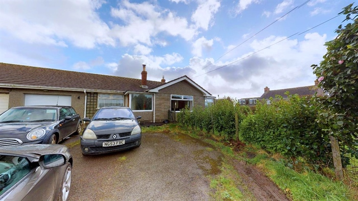 Semi Detached Bungalow, 3 bedroom Property for sale in Helston, Cornwall for £300,000, view photo 5.