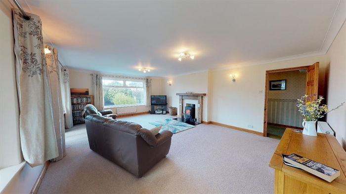 Semi Detached Bungalow, 3 bedroom Property for sale in Helston, Cornwall for £300,000, view photo 6.