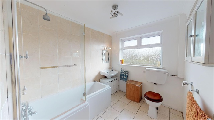 Semi Detached Bungalow, 3 bedroom Property for sale in Helston, Cornwall for £300,000, view photo 15.