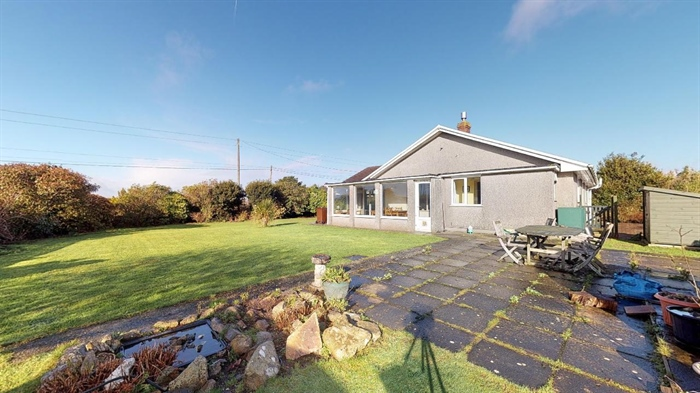 Semi Detached Bungalow, 3 bedroom Property for sale in Helston, Cornwall for £300,000, view photo 18.