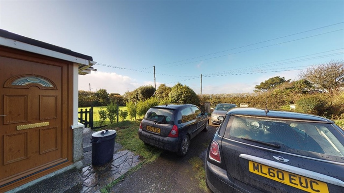 Semi Detached Bungalow, 3 bedroom Property for sale in Helston, Cornwall for £300,000, view photo 19.