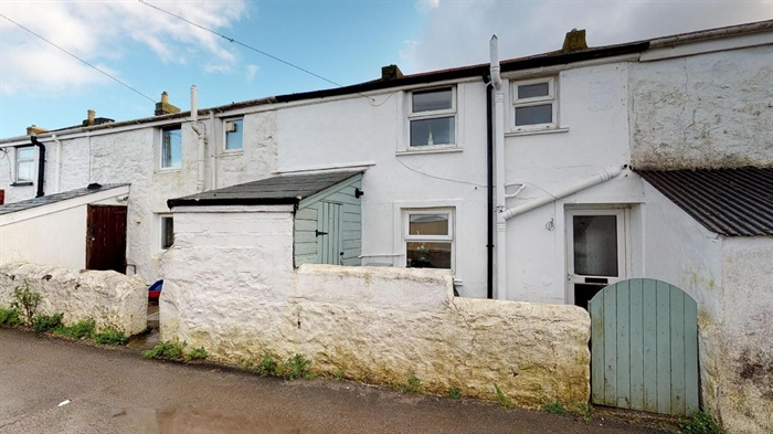 Terraced, 3 bedroom Property for sale in Camborne, Cornwall for £160,000, view photo 5.