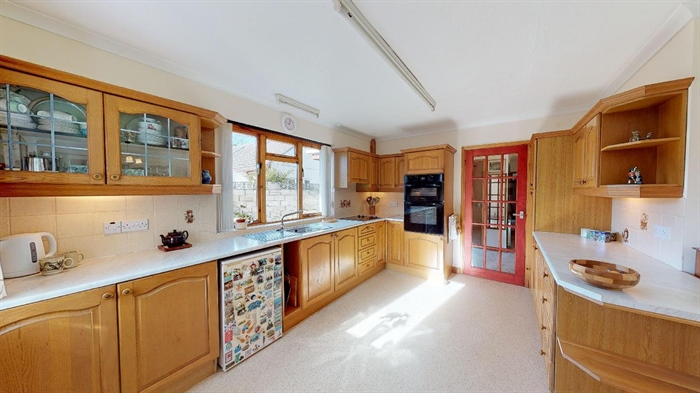 Detached Bungalow, 3 bedroom Property for sale in St Erth, Cornwall for £395,000, view photo 10.