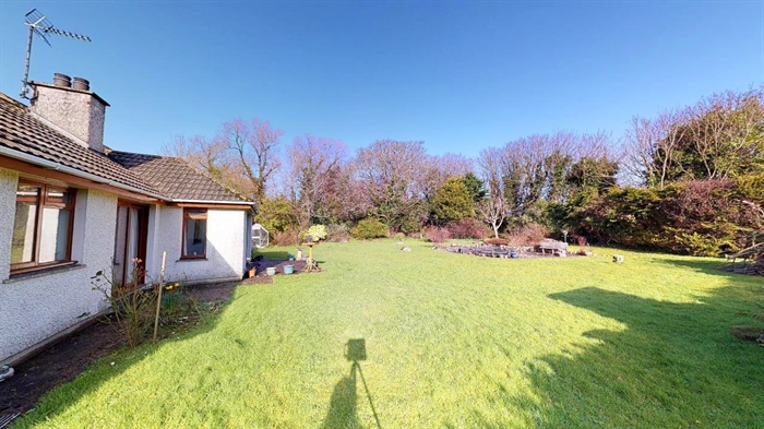 Detached Bungalow, 3 bedroom Property for sale in St Erth, Cornwall for £395,000, view photo 23.
