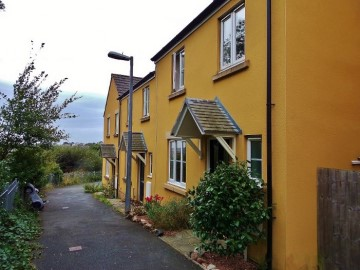 House sold in St Austell: 184 Larcombe Road, Boscoppa, St Austell, Cornwall. PL25 3EZ, £162,500