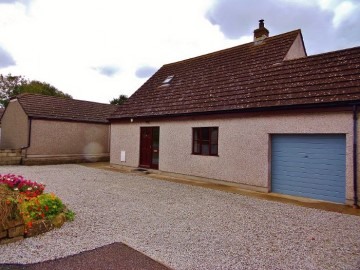 Bungalow sold in St Just: 29 The Turnpike, Tregeseal, St Just, Cornwall.  TR19 7PN, £250,000