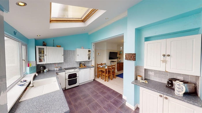 Semi Detached House, 3 bedroom Property for sale in Penzance, Cornwall for £290,000, view photo 11.