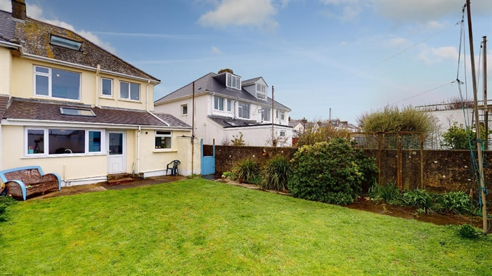 Semi Detached House, 3 bedroom Property for sale in Penzance, Cornwall for £290,000, view photo 23.