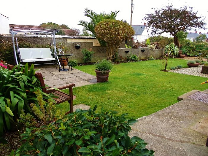 House, 3 bedroom Property for sale in Penzance, Cornwall for £190,000, view photo 2.
