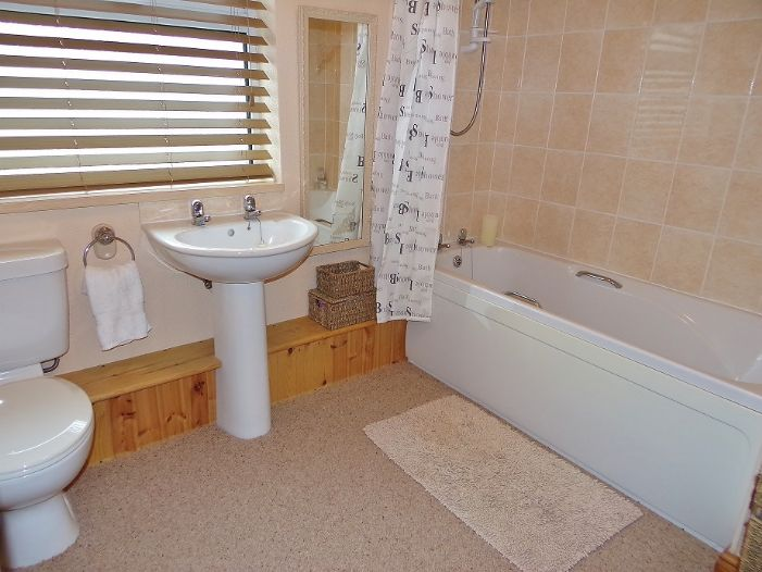 House, 3 bedroom Property for sale in Penzance, Cornwall for £190,000, view photo 8.