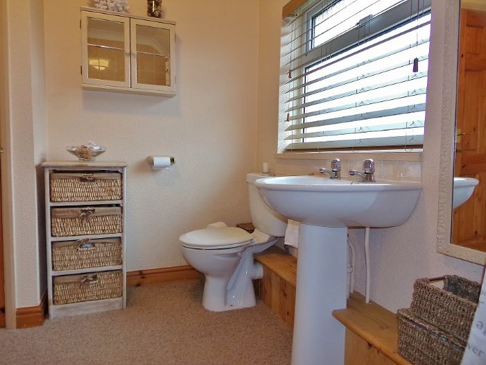 House, 3 bedroom Property for sale in Penzance, Cornwall for £190,000, view photo 9.