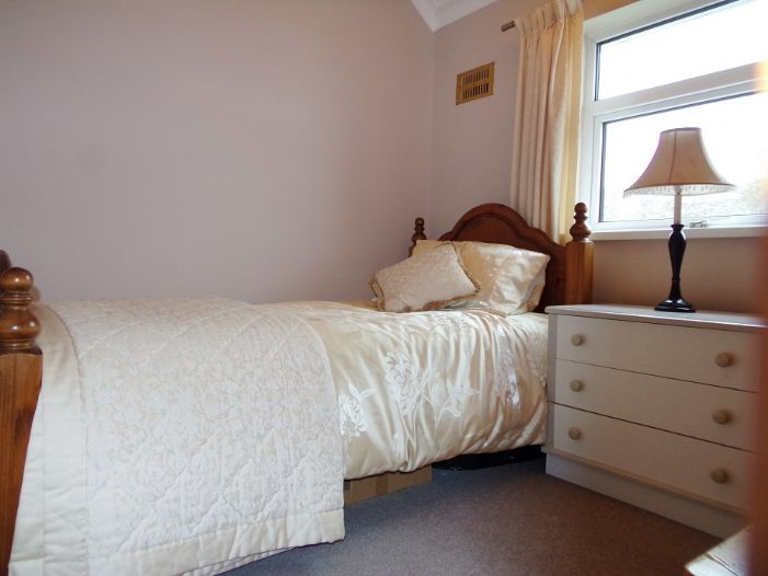 House, 3 bedroom Property for sale in Penzance, Cornwall for £190,000, view photo 13.