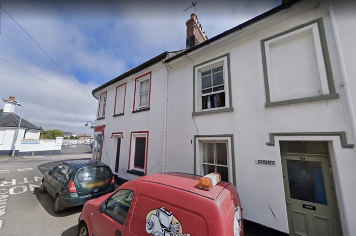 Terraced, 3 bedroom Property for sale in Penzance, Cornwall for £140,000, view photo 1.