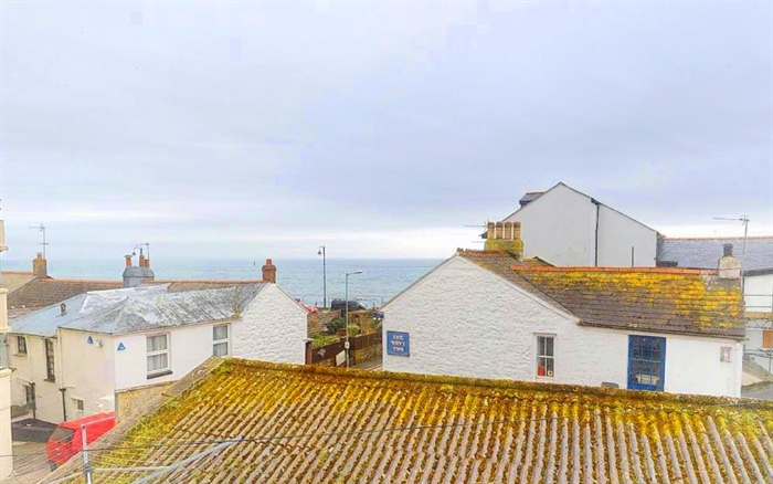 Terraced, 3 bedroom Property for sale in Penzance, Cornwall for £140,000, view photo 9.