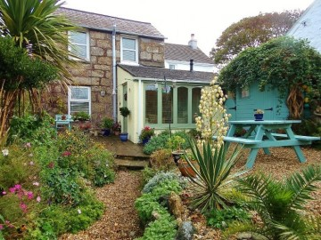 House, Holiday Home sold in St Ives: Whistlers' Rest, Halsetown Road, St Ives, Cornwall.  TR26 3AQ, £260,000