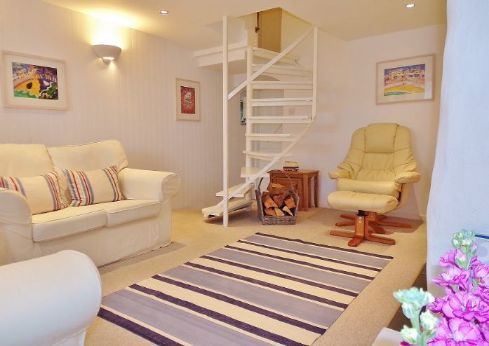 House, Holiday Home, 2 bedroom Property for sale in St Ives, Cornwall for £260,000, view photo 5.