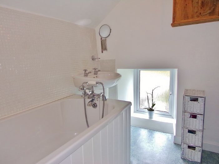 House, Holiday Home, 2 bedroom Property for sale in St Ives, Cornwall for £260,000, view photo 12.
