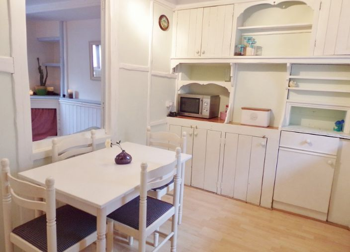 House, Holiday Home, 2 bedroom Property for sale in Penzance, Cornwall for £142,000, view photo 3.