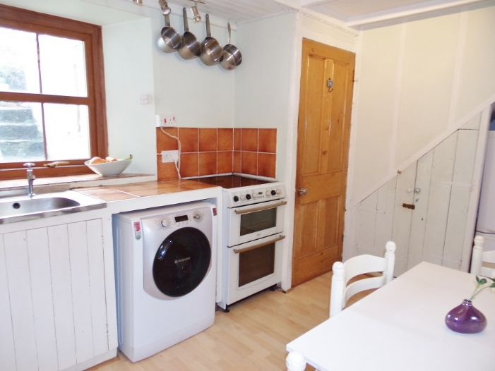 House, Holiday Home, 2 bedroom Property for sale in Penzance, Cornwall for £142,000, view photo 4.