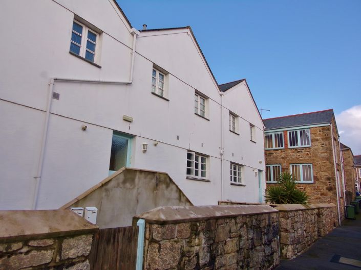 Flat, 1 bedroom Property for sale in Penzance, Cornwall for £110,000, view photo 1.