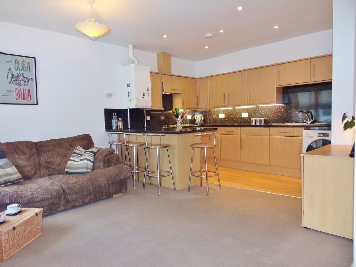 Flat, 1 bedroom Property for sale in Penzance, Cornwall for £110,000, view photo 2.