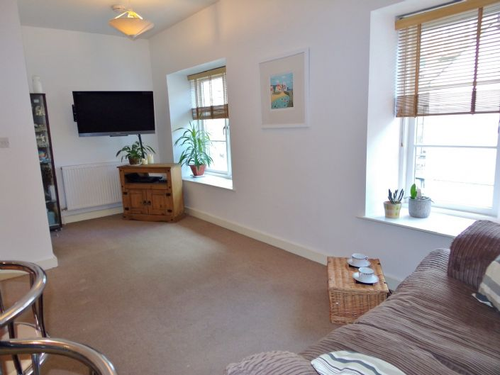 Flat, 1 bedroom Property for sale in Penzance, Cornwall for £110,000, view photo 4.