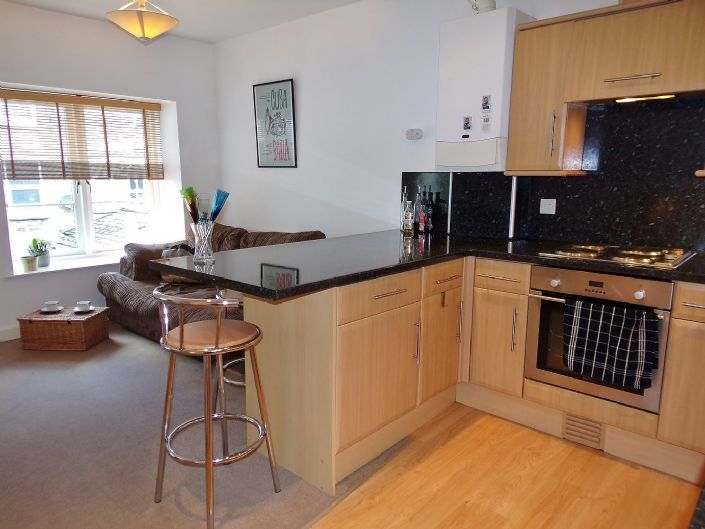 Flat, 1 bedroom Property for sale in Penzance, Cornwall for £110,000, view photo 5.