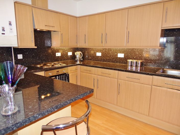 Flat, 1 bedroom Property for sale in Penzance, Cornwall for £110,000, view photo 7.
