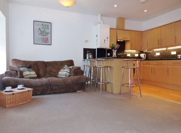 Flat, 1 bedroom Property for sale in Penzance, Cornwall for £110,000, view photo 8.